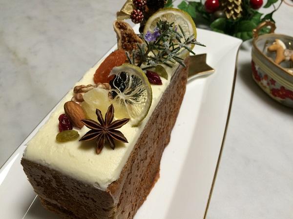 キャロットケーキのクリスマスケーキ